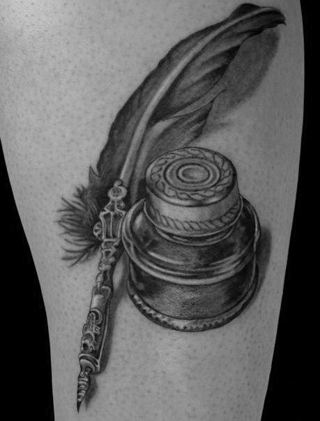 tatuaż pióro